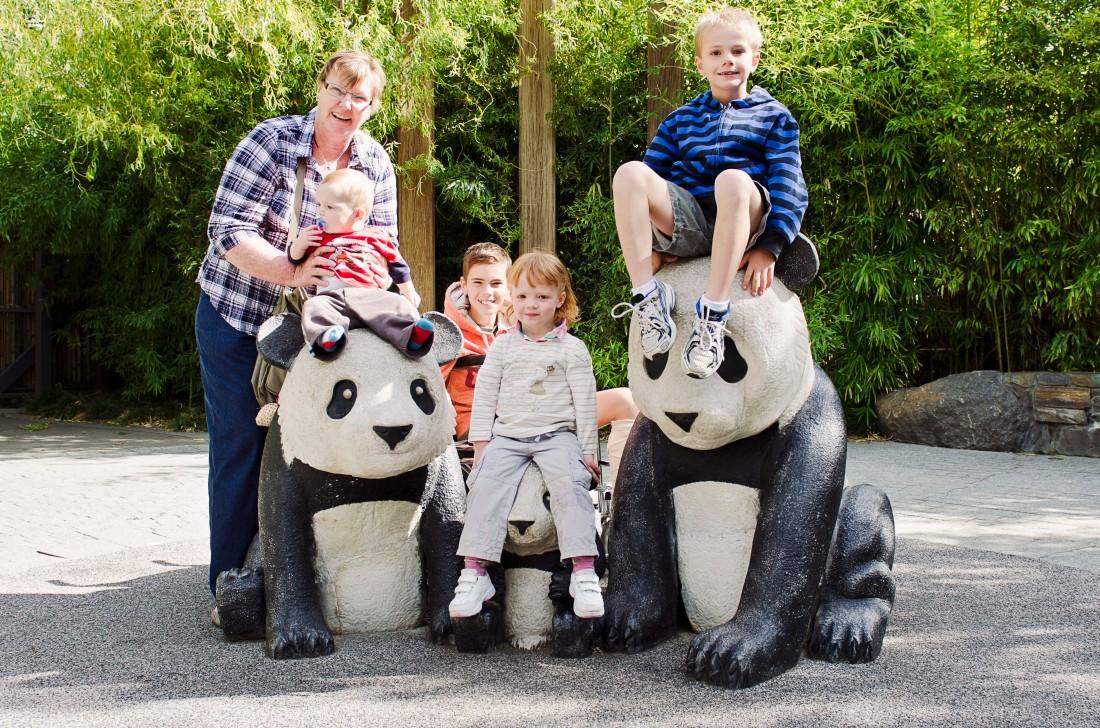 mum-zoo